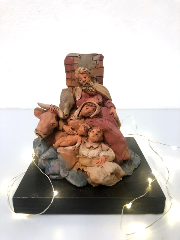 Presepe in terracotta con base nera