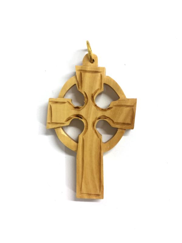 Ciondolo in legno con croce e cerchio