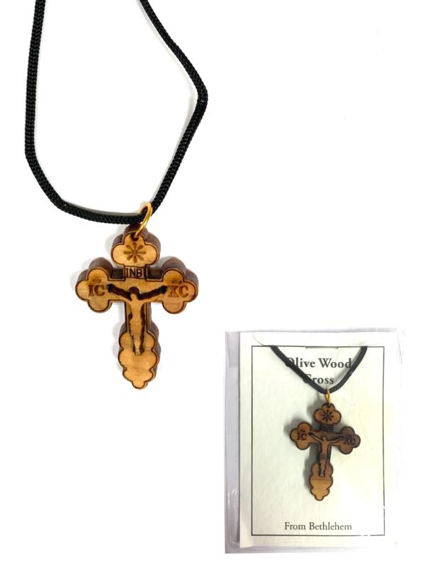 Ciondolo con croce, Cristo e cordino